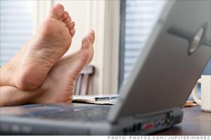 feetlaptop2